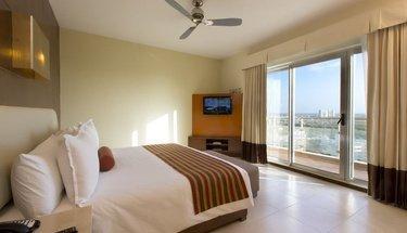 Chambre king standard Hôtel Krystal Urban Cancún Cancún